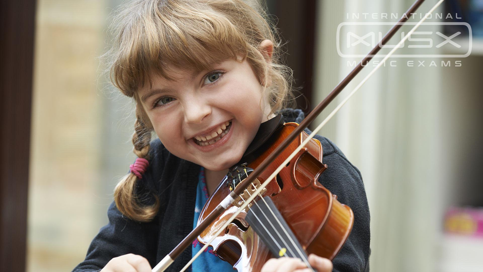 MUSX Violin Player